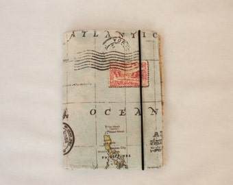 World Map Passport Holder Wallet for Travellers - Travel Gift