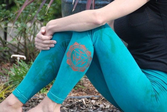 Green Yoga Leggings Hand Dyed from The ArtiZan Collection with Optional Hand Painted Design by Splash Dye Activewear
