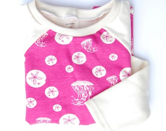 2T or 4T Childrens handmade long or short sleeve shirt - Sand dollars and jelly fish in pink -  organic cotton - size 4 years