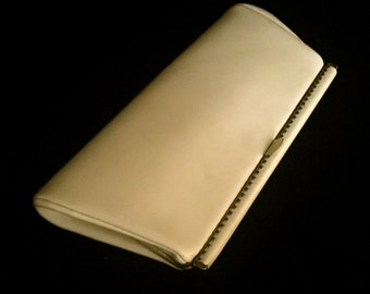 Vintage 60's Cream Clutch Hand bag                             VG2378