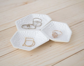 Small Geometric Ring Dish set of 3 in Textured White Crawl.