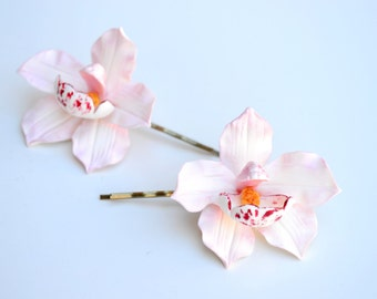 White pink Orchid. Bride orchid hair. Flower bridal hair. wedding flower. Hair accessories. Hair Pin Clip orchid. Jewelry orchids