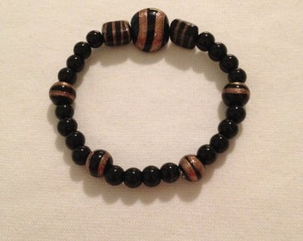 Black agate and glass bead bracelet