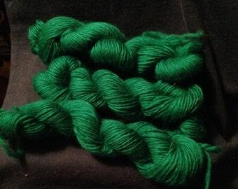 Kelly green Laceweight handspun merino yarn