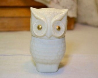 Vintage Avon Owl Cream Sachet Collectable