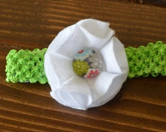White felt flower headband, size 3-6 MONTHS
