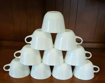 Vintage Pyrex White Coffee Cup Set