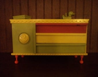 Suzy Cute Deluxe Reading Corp Dresser