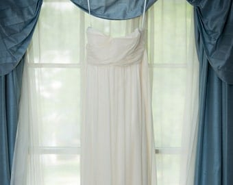 Strapless Ivory Crinkle Chiffon Wedding Gown (Size 0)