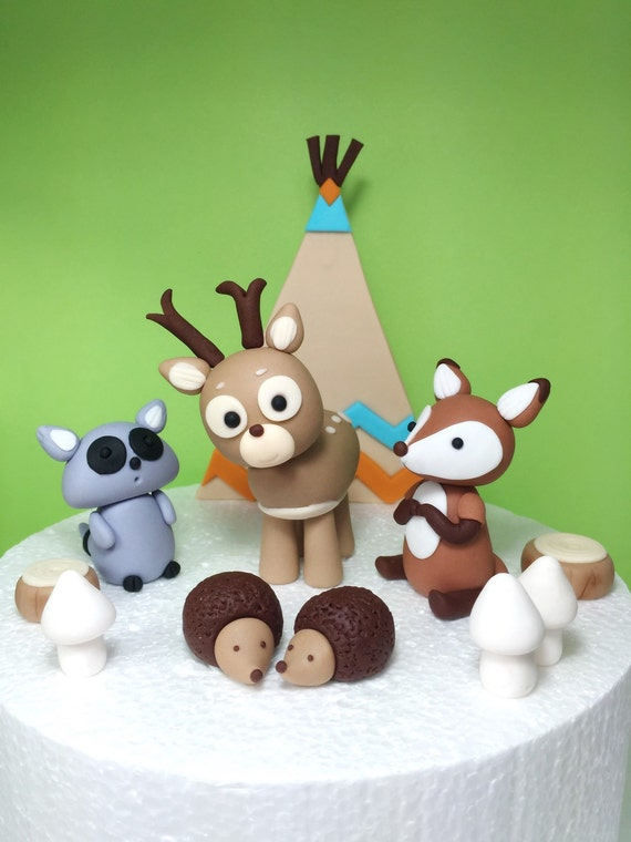 Woodland fondant cake topper woodland baby shower for Animal cake decoration