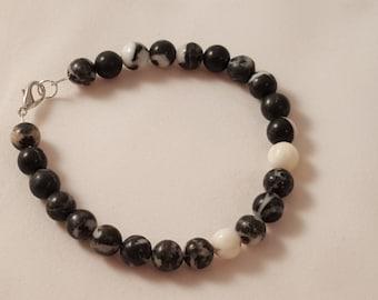 Black & White Marbled Glass Bead Bracelet - Men's Bracelet - Women's Bracelet - Marble Bracelet - Black and White Bracelet - Glass Beads