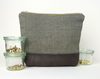 Cosmetics bag made of organic cotton and leather