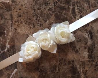 Flowergirl sash /ivory ribbon / flower girl / wedding / Ivory / flowergirl ribbon