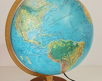 Globo terráqueo vintage / vintage globe