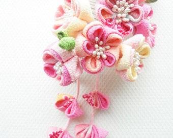 Flowers gift to Mommy in Japan~Japanese hair comb~Sakura Blossom Tsumami Kanzashi Hair Comb ~Geisha Maiko~Chirimen Fabric~Love is Blooming