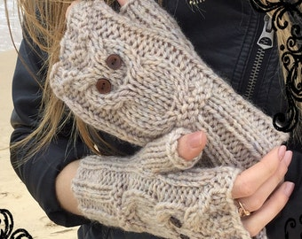 PATTERN 5 sizes Owl fingerless mitts - 2-4, 5-8, 9-12, adult, large adult.  Easy/intermediate. Chunky/bulky.