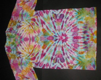 """Pastel psychedelic tie dye: the """"Anaphase"""" shirt"""