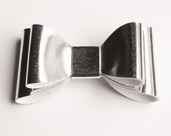 Baby/Toddler/Girl/Adult 2.75 Inch Double Hologram / Reflective Hair Bow on Lined Alligator Clip -  Silver