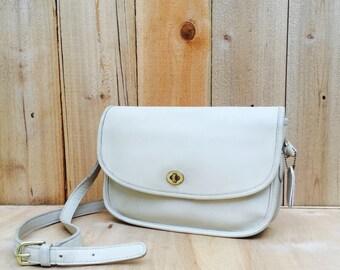 vintage ivory COACH crossbody purse - vintage 90s leather shoulder bag - vintage modern cross body satchel