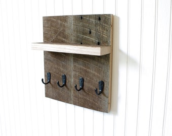 Key holder for wall - Entryway organizer, reclaimed wood, key organizer, mail holder, mail organizer, bathroom organizer, jewelry holder