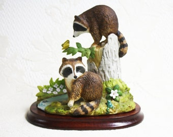 Raccoon Family Andrea By Sadek 6647, Andrea By Sadek Raccoon Family Porcelain Figurine, Animal Figurines Andrea By Sadek, Raccoon Figurines