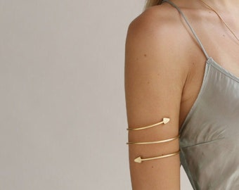 Upper Arm Cuff Bracelet, Arrow cuff bracelet, Tribal Inspired Bracelet, Minimal gold upper arm cuff, Arrow Bracelet, Metalwork Bracelet