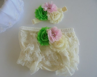 ivory lace bloomers,ivory baby bloomers,cream lace bloomer,cream baby bloomer,ruffle bloomers,pink lace bloomers,green lace bloomers,bloomer