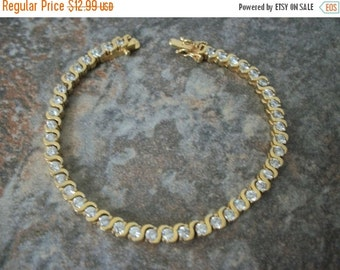 ON SALE Vintage Gold Tone Rhinestones Bracelet 1563