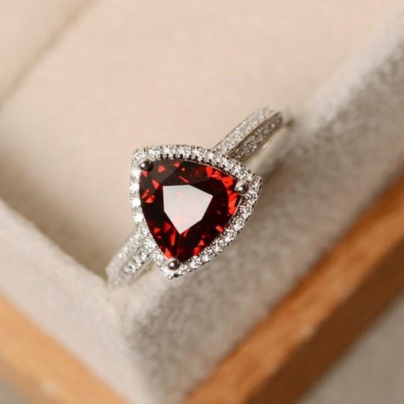 trillion cut garnet ring red garnet gemstone promise ring. Black Bedroom Furniture Sets. Home Design Ideas