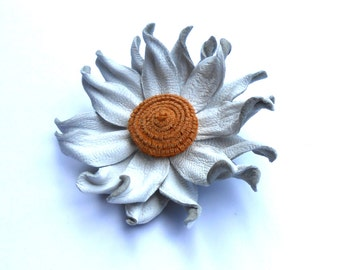 Leather Flower Brooch Daisy Brooch White Brooch Leather Brooch Leather Jewelry Womens jewellery Valentines Day Gift for wife for mom gift