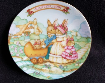 Spring Time Stroll 1991 Easter Plate