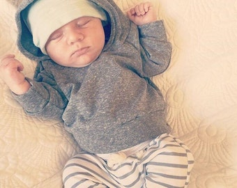 Baby clothes / baby girl clothes / baby boy clothes / baby outfit / baby shower gifts / hipster baby / gray / stripes / baby boy outfit