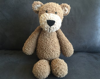 Crocheted brown teddybear