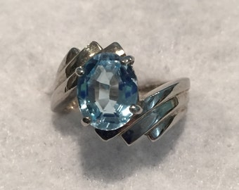 ISC Sterling Oval BlueTopaz Ring - Size  8 - CA 1970's - Item R105
