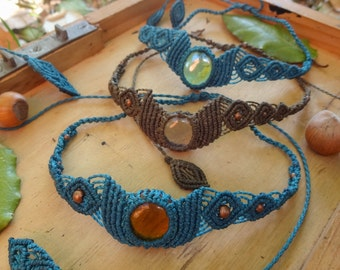 Collars/Tiare in macrame with glass drops