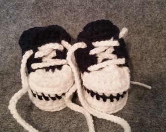 Shoes, baby shoes, tennis shoes, booties, baby booties, crochet shoes
