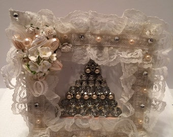Beaded Christmas Tree in Shabby Altered Picture Frame
