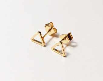 Gold Triangle Stud Earrings / Dainty Geometric Earrings / Tiny Triangle Earrings