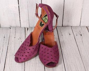 Vintage suede high heel shoes/ Vintage womens high heel sandals/ Vintage womens sandals/  Women's purple sandals/ Vintage 70s  Heels Sandals