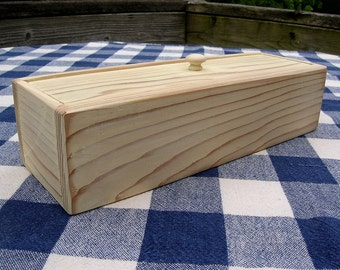 Cedar Box with Lid - Cream, Painted, Distressed - Jewelry Organizer, Desk Organizer, Storage