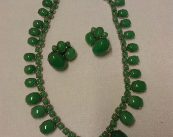GREEN GLASS NECKLACE and earrings, Fred Block signed, 1930s, Chrysoprase