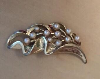 Vintage Brooch Faux Pearl and Metal Leaf Design