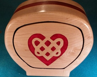 Maple/Padauk Celtic heart bandsaw box