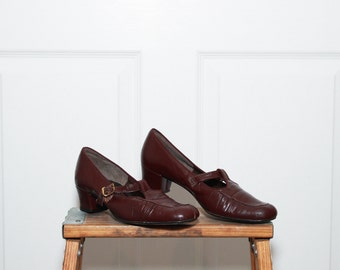 SALE Vintage 1970s Deep Maroon Heeled Comfort Tstrap Shoes / 6.5