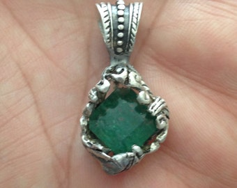 OutLander Celtic Emerald pendant