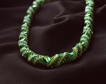 Beaded necklace Hosta montana