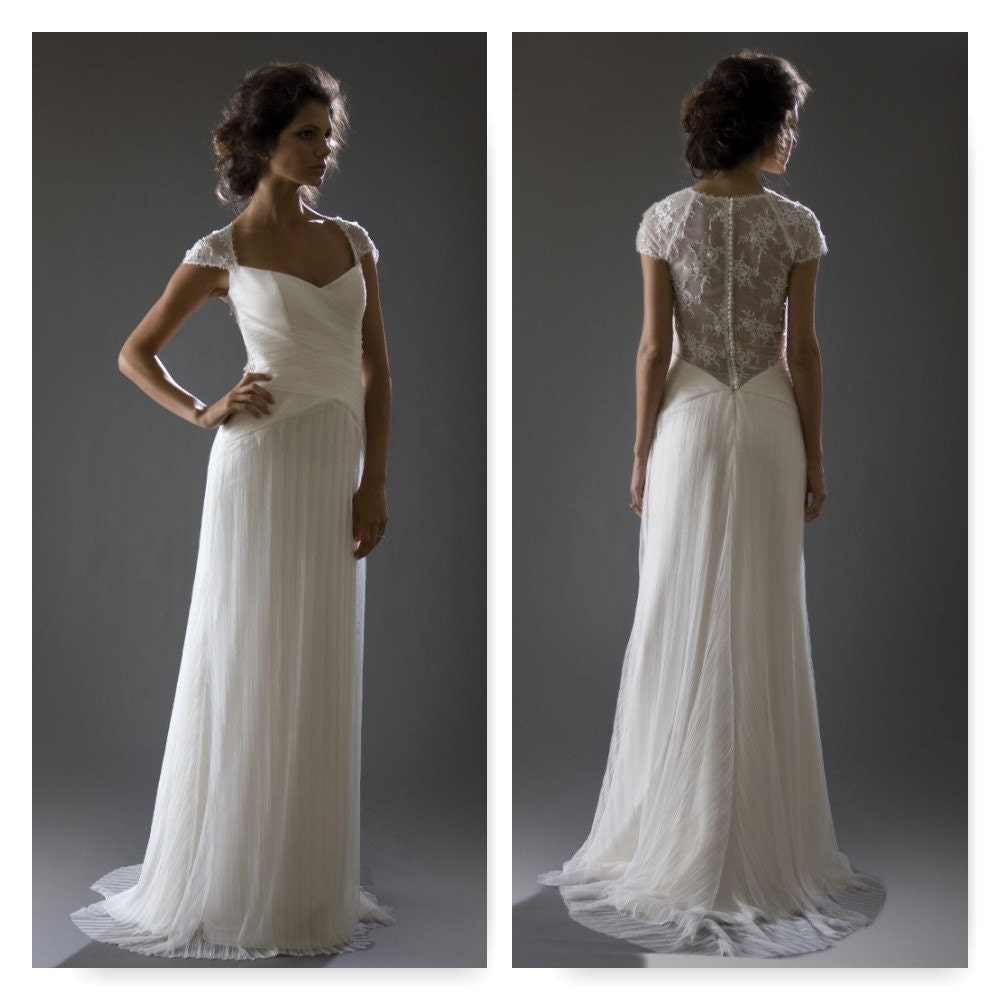 SCARLET Bridal Gown Sample By COCOE VOCI