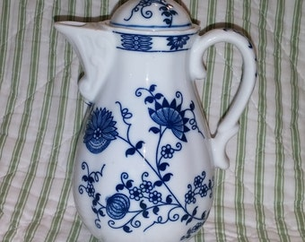 Vienna Woods Blue Onion Small Coffee/Tea Lidded Pot by Seymour Mann