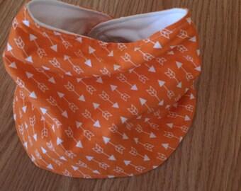 Rounded bandana bib