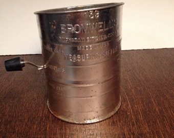 Bromwell's 3 cup Sifter